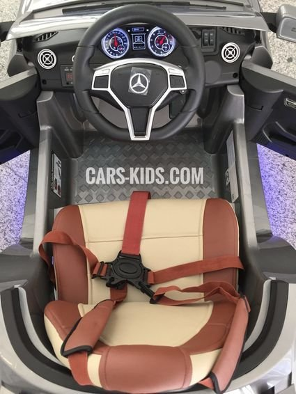 Электромобиль Mercedes Benz CLA 45 AMG красный (колеса резина, сиденье кожа, пульт, музыка)